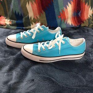 Converse womens 10 men 8 gnarley blue iridescent